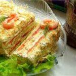 Закусочный торт из коржей наполеон с консервой