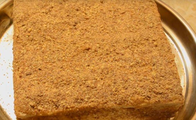Торт микадо - обсыпаем крошкой