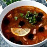 Как варить солянку мясную сборную? Рецепт вкусной солянки