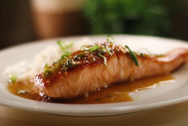 Как пожарить красную рыбу на сковороде