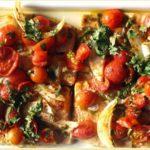 Форель жареная на сковороде с овощами