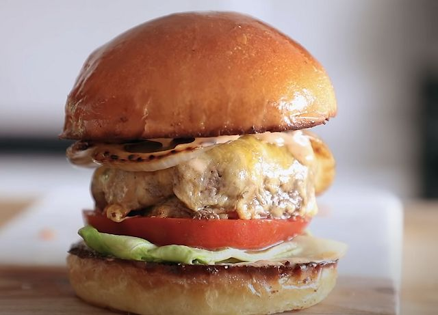 Гамбургер из булочек как в макдональдсе