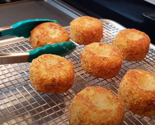 Картофельные крокеты в панировке