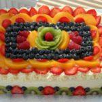 Торт из коржей с фруктами