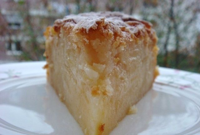 Яблочный торт бисквитный