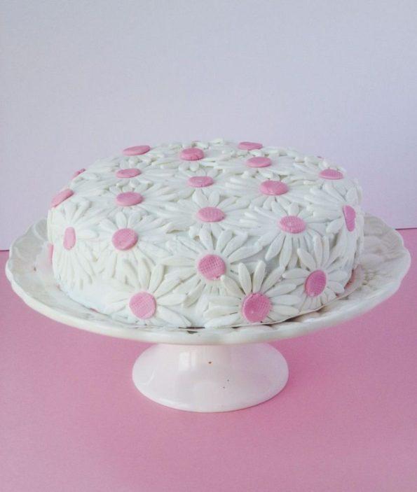 Торт из мастики как украсить - способ 2