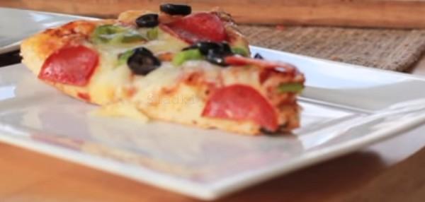 Кусочек пиццы фото