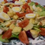 Салат цезарь с курицей классический фото рецепт