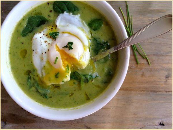 Суп с замароженым шпинатом и яйцом