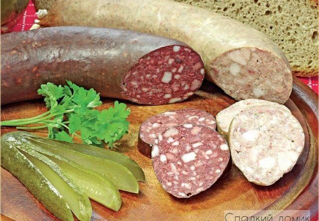 Колбаса из свинины и печени