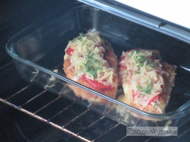Курица запеченная в духовке с сыром - в духовке