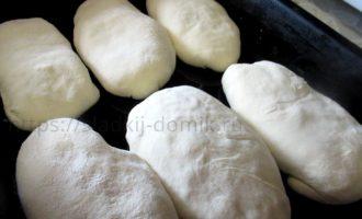 Пирожки с капустой в духовке на противне