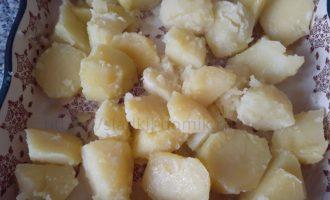 Картошка с сыром в духовке - картофель выкладываем фото