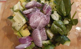 Салат посолить