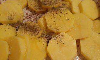 Картофель по перчить