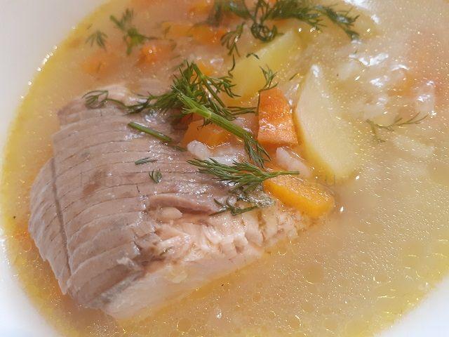 Рыбный суп из горбуши замороженной