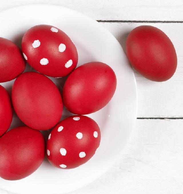 Как покрасить яйца на Пасху свеклой