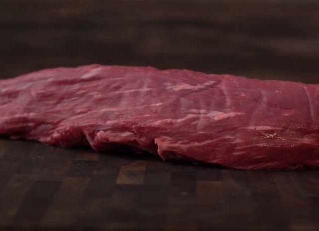 Говяжье мясо определяем на свежесть