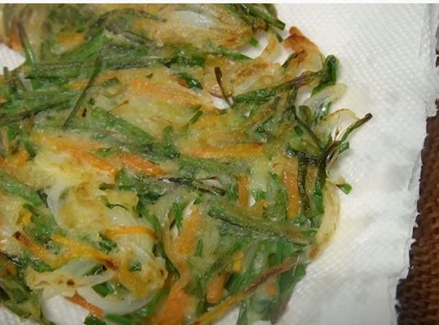 Овощная запеканка на сковороде
