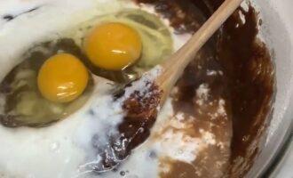Яйца и какао для бисквита