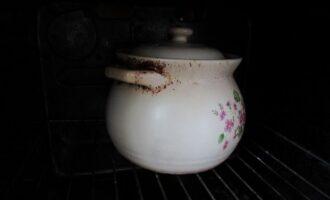 Чугунок с жарким в духовке