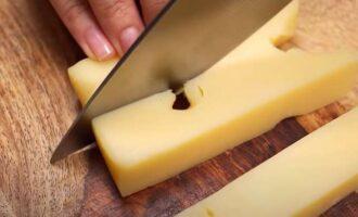 Нарезка твердого сыра